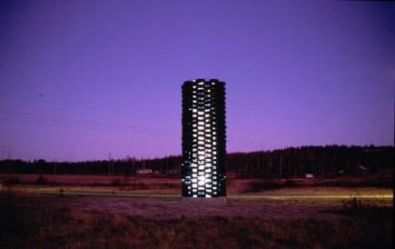 Valtatien torni, Iisalmi, v. 2001, kuva Valolaterna