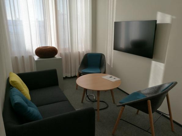 Valtion taideteostoimikunta, Sisäministeriö, Kirkkokatu 12, Helsinki